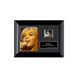 A fantastic minicell containing image and film of the superstar known as Beyonce.