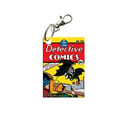 Batman appears! Celebrate the first comic The Dark Knight was in with this Detective Comics Issue No. 27 acrylic keychain. While Batman has gone through 80 years of crime and adventures, you can now always remember his beginning.
