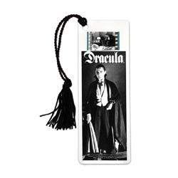 Take a step back into the era of classic horror every time you sit down to read with this FilmCells laminated bookmark. This collectible features an image of Bela Lugosi as Dracula and contains one clip of real 35m film from the movie.
