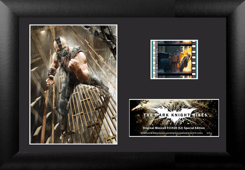 Relive the storm set upon Gotham in The Dark Knight Rises, the final chapter of Christopher Nolan's Dark Knight trilogy, with this collectible FilmCells™ Minicell featuring an image of Bane™, a certificate of authenticity, and one clip of real 35mm film.