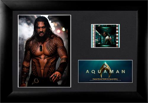 This special edition Aquaman FilmCells™ Presentation features Jason Momoa as Arthur Curry about to take care of some business on a Submarine.  Included in this officially licensed collectible is a clip of real 35mm film from the movie!