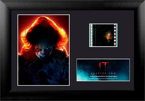 Pennywise and the Deadlights glow in this MiniCell collectible. This unique presentation from IT Chapter Two features Pennywise and a film cell from the movie. Gift this to the horror film buff in your life to let them display it proudly.