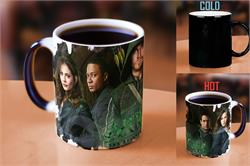 Bring home the excitement of the television series, Arrow, with this Morphing Mugs™ heat-transforming mug featuring a collage of the characters explored in the hit show based on the comic book series, The Green Arrow.