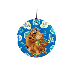 Scooby and Shaggy always have each other's backs. However, when they get spooked, get ready for Scooby to leap into Shaggy's arms. This collectible decoration features catch phrases from the duo in the background. Comes with hanging string for easy displa