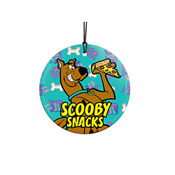 There's a mystery to solve! Break out the Scooby Snacks! These treats help Scooby in even the toughest of times to overcome his fear and unmask the villain. Featuring the snacks itself, bones and pawprints in the background. Comes with hanging string for