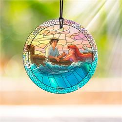 Ariel and Eric meet for the first time in the sea, starting to fall in love on this StarFire Prints Hanging Glass Decoration. This Disney artwork by Thomas Kinkade Studios is perfect for fans.