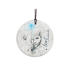 Newt's philosophy was that worrying means you suffer twice so stop worrying and hang up this Newt Scamander StarFire Prints Hanging Glass. It's perfect for a Christmas decoration or just hanging around the house. It comes with a hanging string