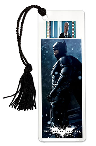 Relive the storm set upon Gotham in The Dark Knight Rises every time you sit down to read with this double-sided, laminated bookmark. This collectible featuring an image of Batman, and one clip of real 35mm film from the movie.