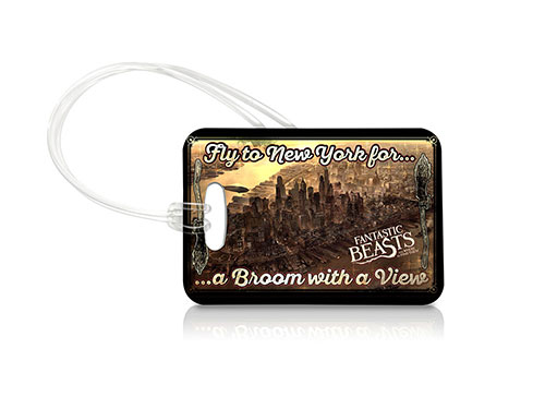 Bring a piece of J.K. Rowling's Wizarding World wherever you go with this Fantastic Beasts and Where to Find Them luggage tag. This collectible uses officially licensed artwork featuring 1920s New York City as it appears in the film
