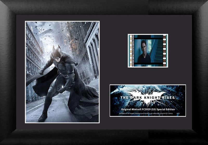 Relive the storm set upon Gotham in The Dark Knight Rises, the final chapter of Christopher Nolan's Dark Knight trilogy, with this collectible FilmCells™ Minicell featuring an image of Batman, a certificate of authenticity, and one clip of real 35mm film.